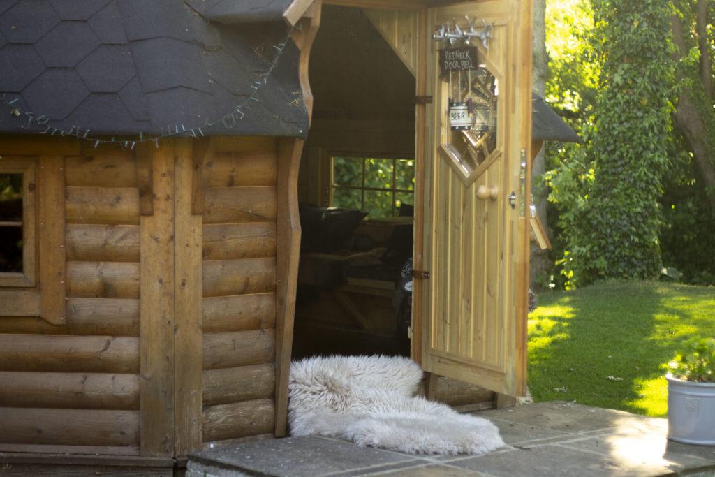 Friluftsliv - using a sheepskin rug outside