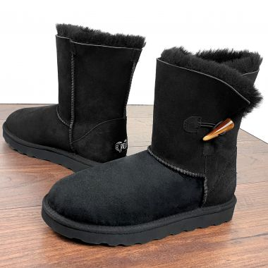 Black Classic Sheepskin Boots: Jacobs
