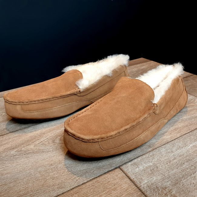 Image of Men's Chestnut Moccasin Slippers